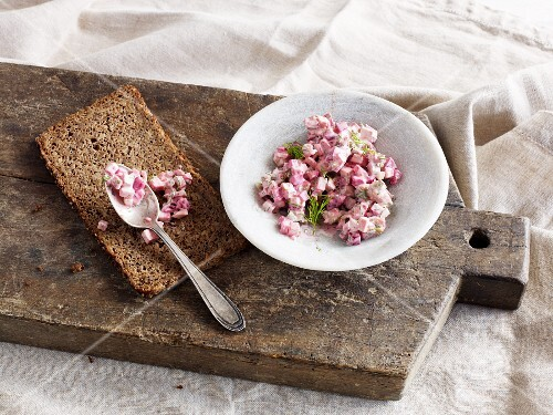 Meat salad with beetroot as a spread