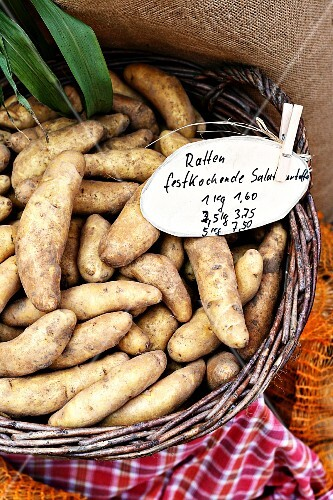 French 'La Ratte' potatoes in a basket of the market