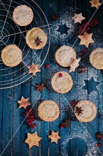 Mini Christmas pies and star shaped biscuits