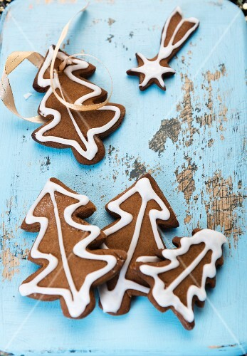 Gingerbread biscuits as Christmas tree decorations