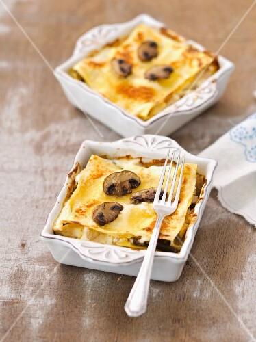 Mini mushroom lasagnes with béchamel sauce