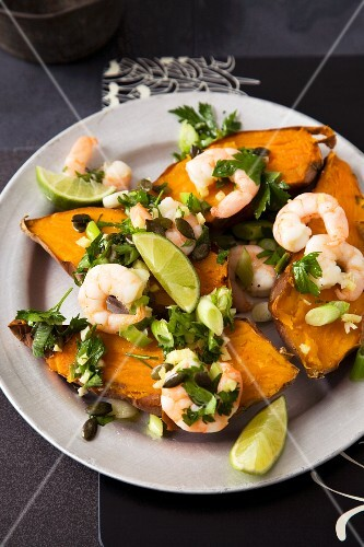 Sweet potatoes with prawns and limes