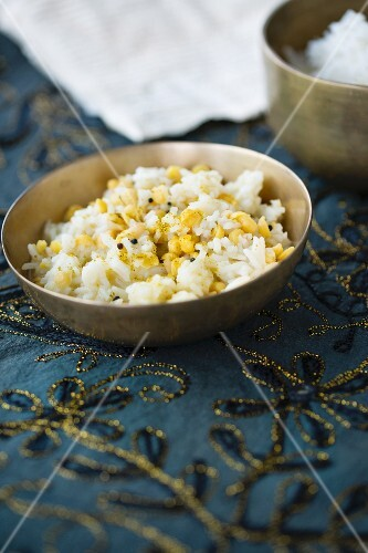 Basmati rice with chana dhal (yellow lentils) and brown mustard seeds (India)