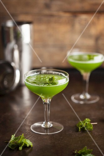 Herb cocktails with mint