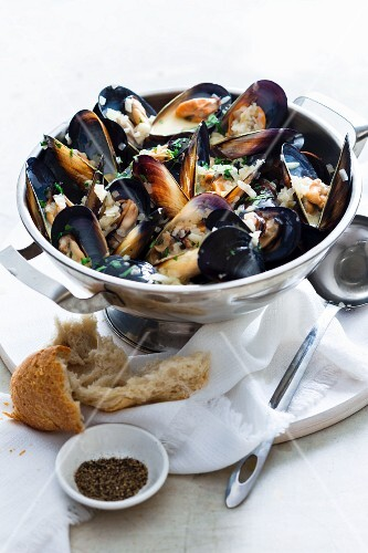 Moules a la mariniere (mussels in white wine, France)