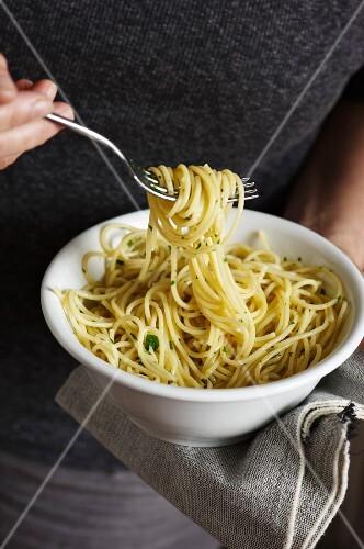 Spaghetti aglio e olio (spaghetti with garlic and olive oil, Italy)