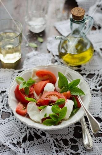 Insalata caprese (tomatoes with mozzarella and basil, Italy)