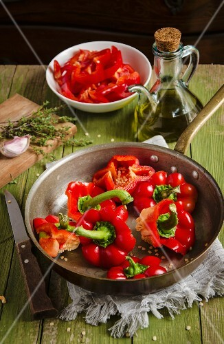 Ingredients for caramelised peppers