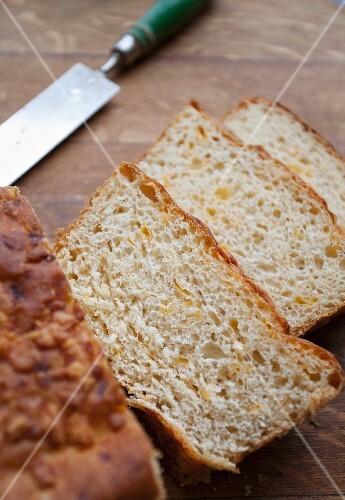 Tangy Cheddar bread