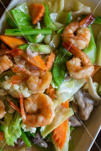 King prawns with stir-fried vegetables (Thailand)