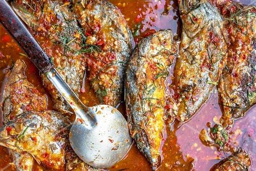 Mackerel in chilli sauce (Thailand)