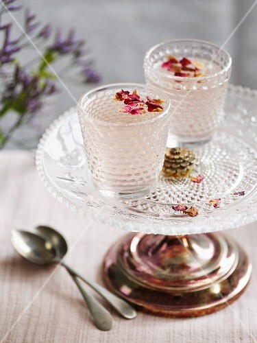Rose jelly with petals
