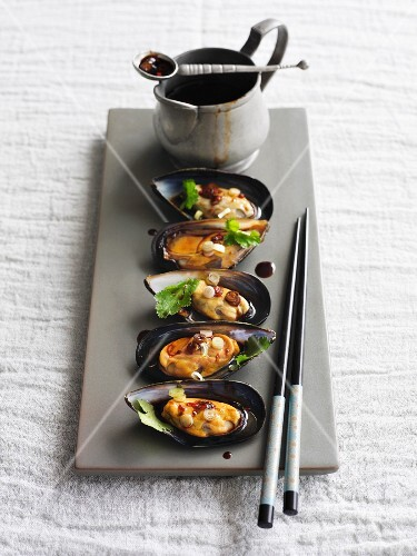 Steamed mussels with sake (Japan)