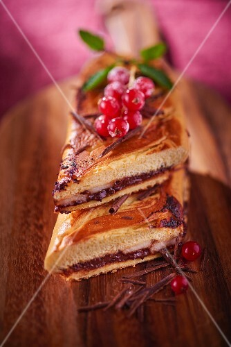 Pain au chocolat with pears and redcurrants (France)