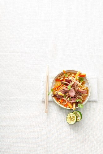 Beef salad with vegetables (Asia)