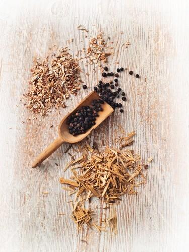 Testosterone stimulating plants – sarsaparilla, potency wood and black pepper
