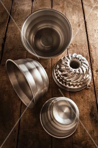 Various Bundt cake tins and pudding basins