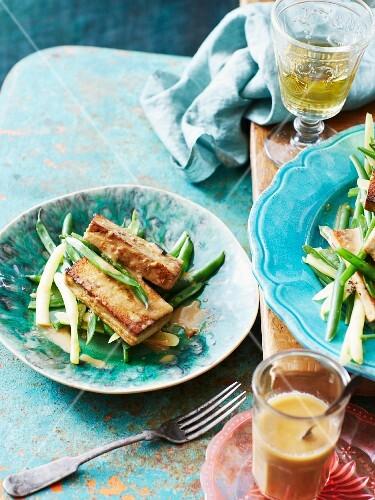 Bean salad with tofu