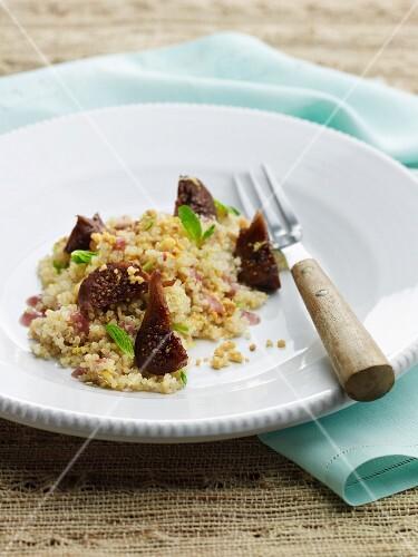 Quinoa fig salad with mint
