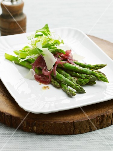 Green asparagus with red onions and a mustard vinaigrette