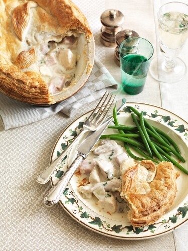 Chicken and ham pie with green beans