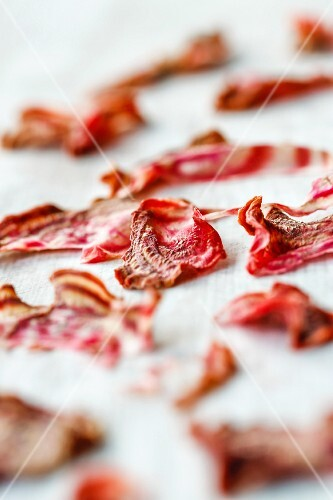 Dried beetroot slices