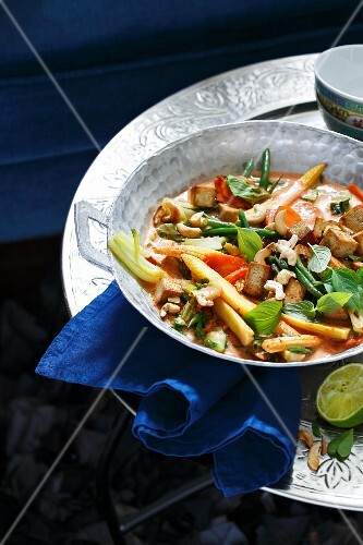 Red Thai curry with vegetables and tofu