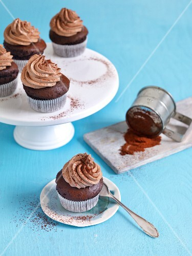 Nougat cupcakes with cocoa powder