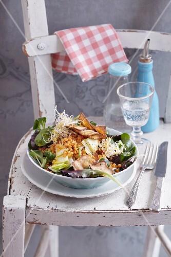 Lentil salad with smoked tofu crisps