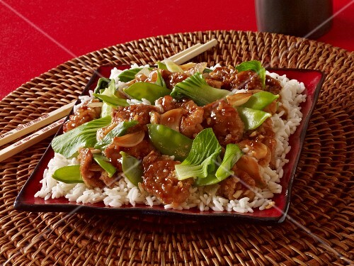Sweet and sour chicken with bok choy and mange tout (Asia)