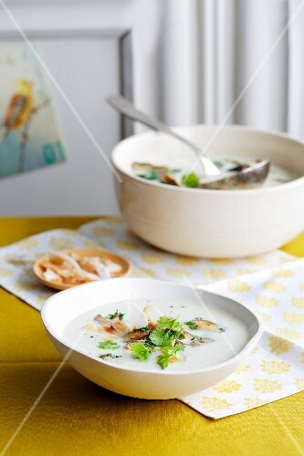 Coconut soup with potatoes and shiitake mushrooms