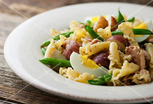 Tuna nicoise salad with pasta and red potatoes