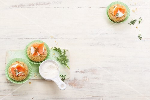 Spicy dill muffins with smoked salmon