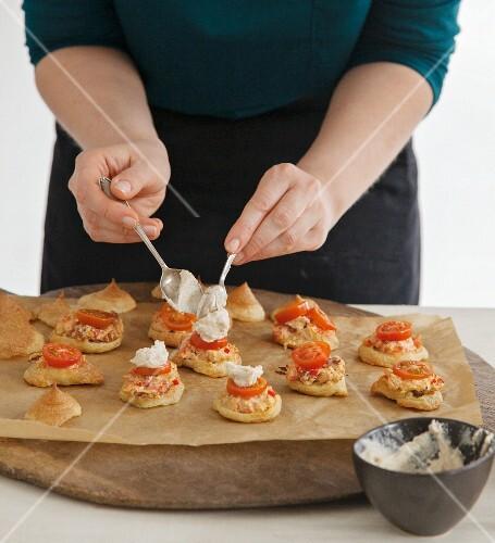 Vegan profiterole burgers with smoked tofu