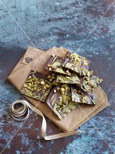 Marbled chocolate with pistachio nuts