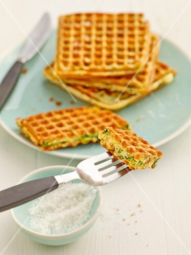 Spinach and goat's cheese waffles