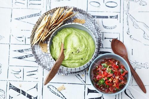 Poppadoms with guacamole