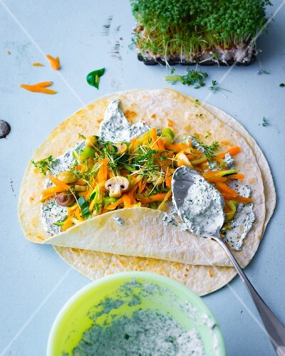 Vegetable wraps with herb cream