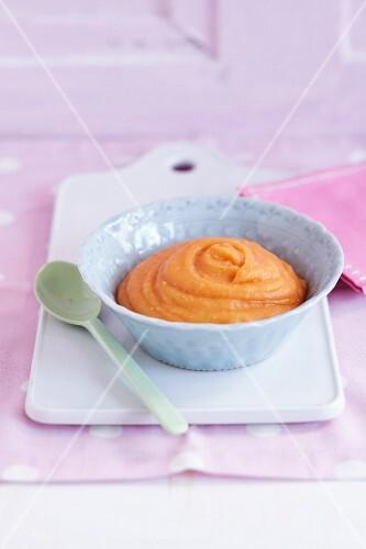 Millet and carrot porridge