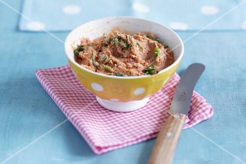 A lentil and tomato spread