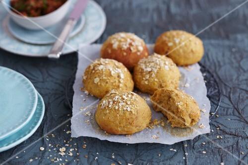 Mini carrot bread rolls
