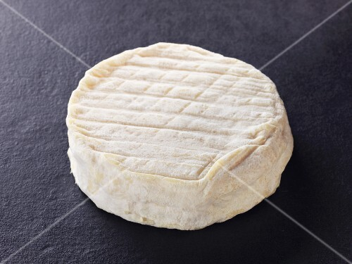 Galette de brebis – sheep's milk cheese from the Pyrenees
