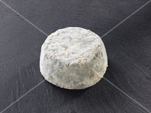 Le Lyonnais (French goat's cheese)