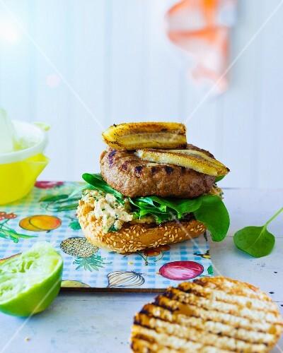 Banana Joe Burger: burger with peanut cream, spinach and banana