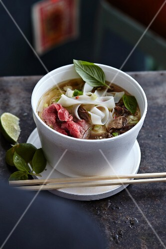 Pho bo (noodle soup with beef, Vietnam)