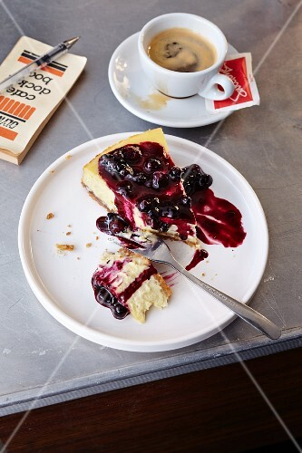 Blueberry cheesecake served with coffee