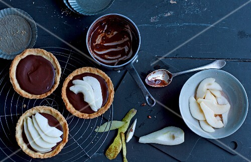 Chocolate tarts with pears