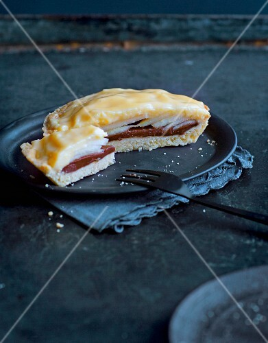 Pear and chocolate tarte