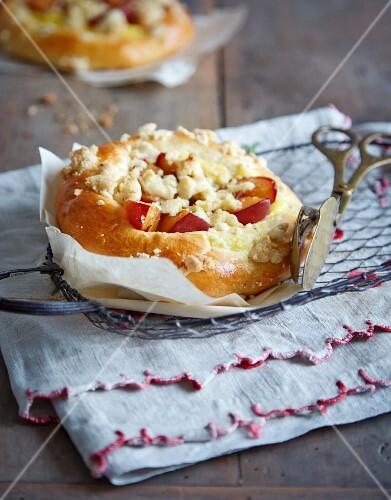 Mini damson crumble tart