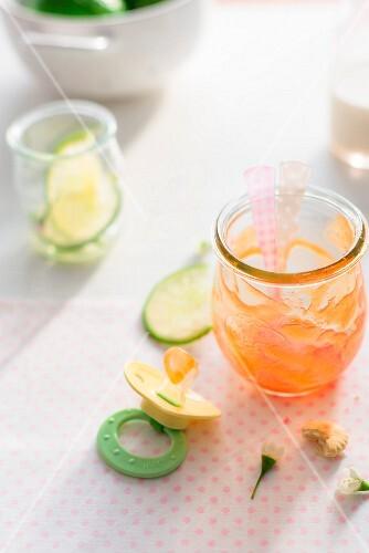 A papaya smoothie as baby food